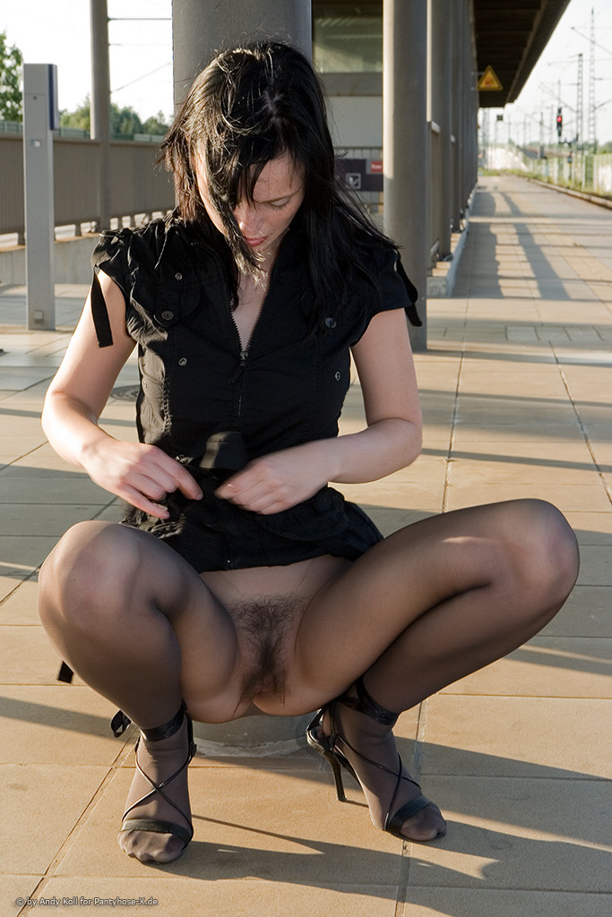 продажу случайные порно фото женщин в черном протяжении