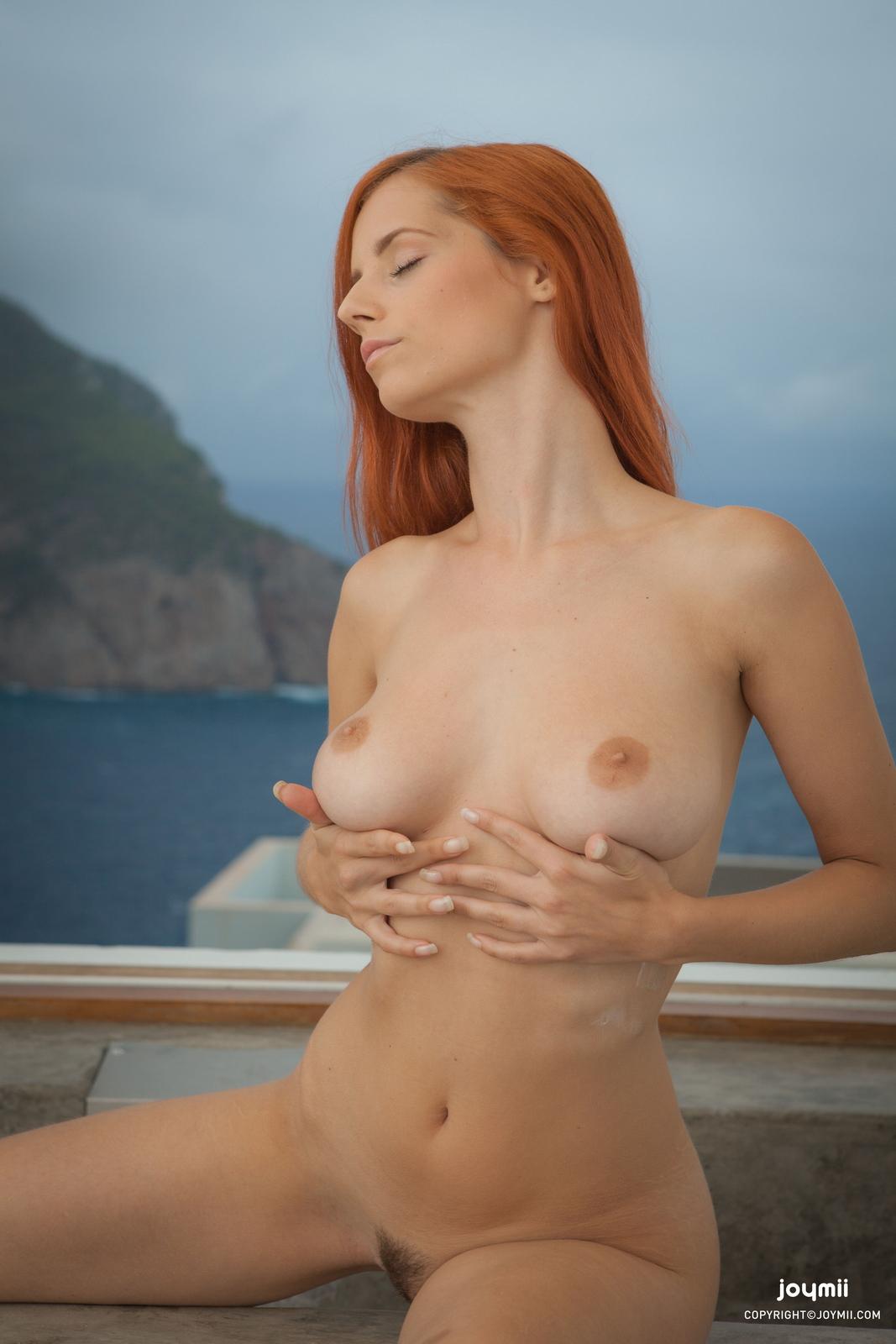 ariel-redhead-bathroom-naked-boobs-joymii-03