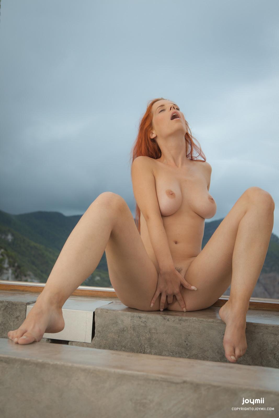 ariel-redhead-bathroom-naked-boobs-joymii-36
