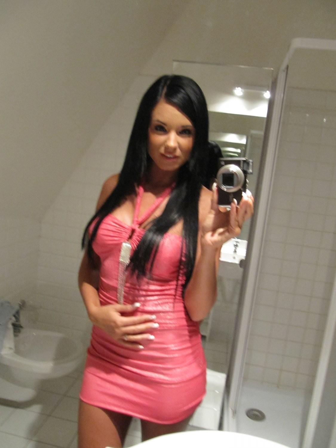 ashley-bulgari-self-shot-bathroom-mirror-01