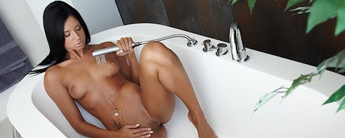 Ashley Bulgari in bath