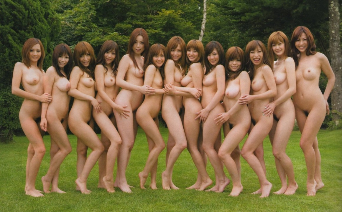 Group of nude korean girls, hardbodied nude