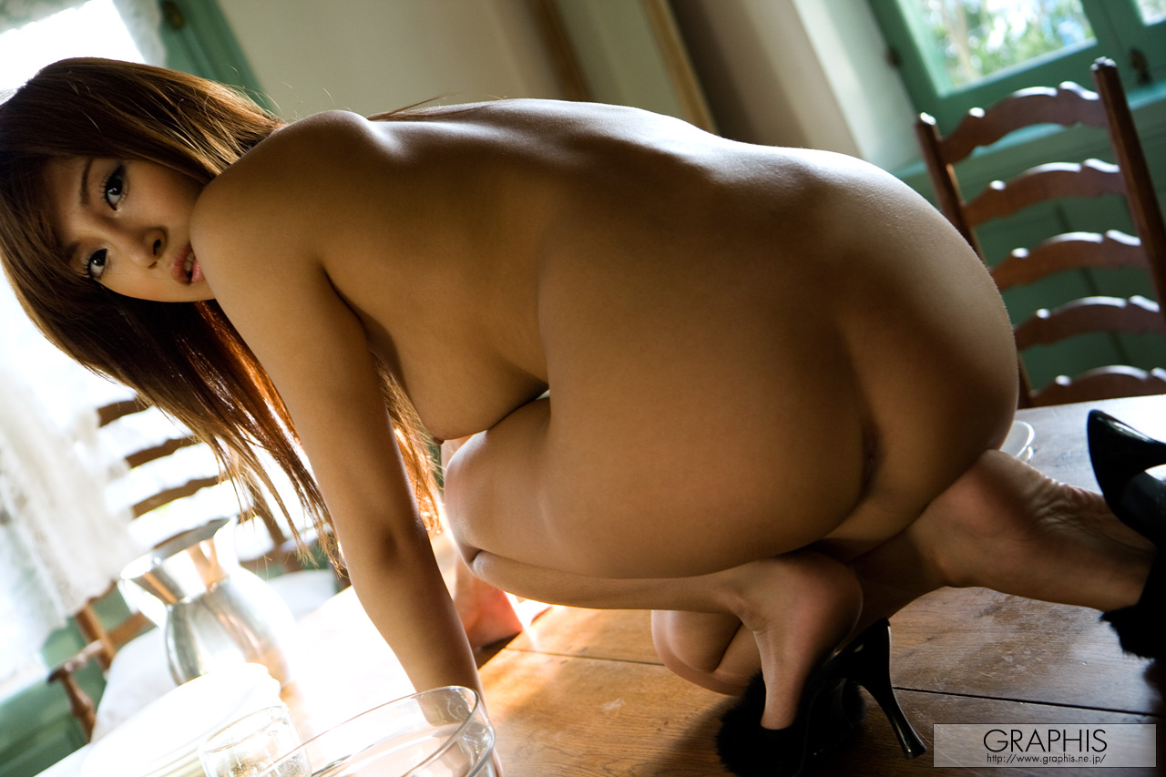 asuka-kirara-sunlight-naked-asian-graphis-14