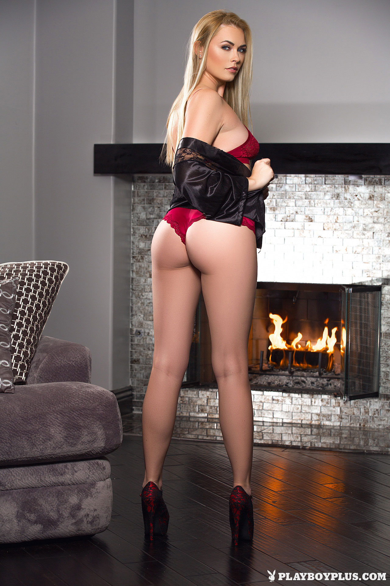 bailey-rayne-nude-fireplace-blonde-playboy-02