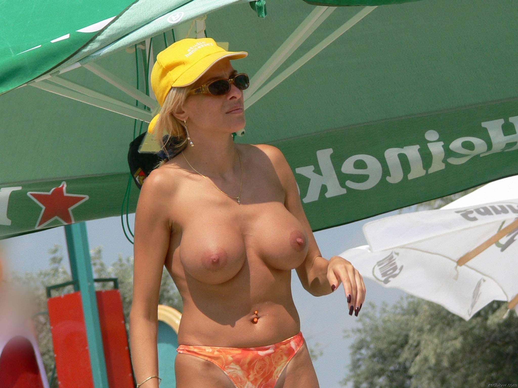 beach-girls-11