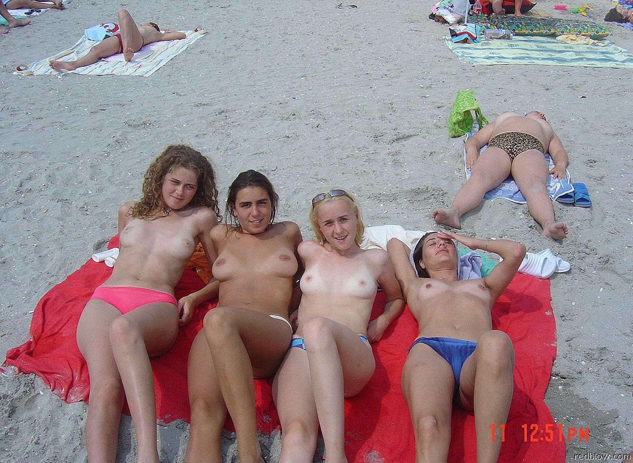 beach-girls-54