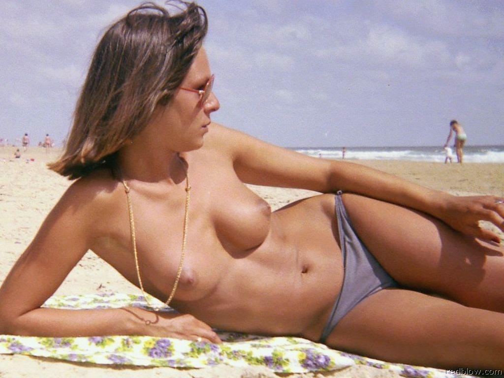 beach-girls-56
