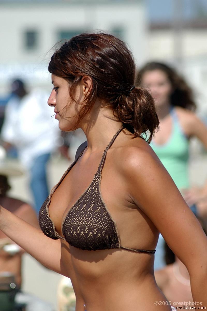 beach-girls-75
