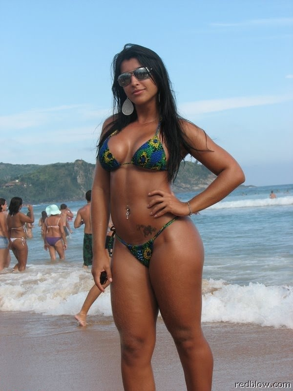 beach-girls-83