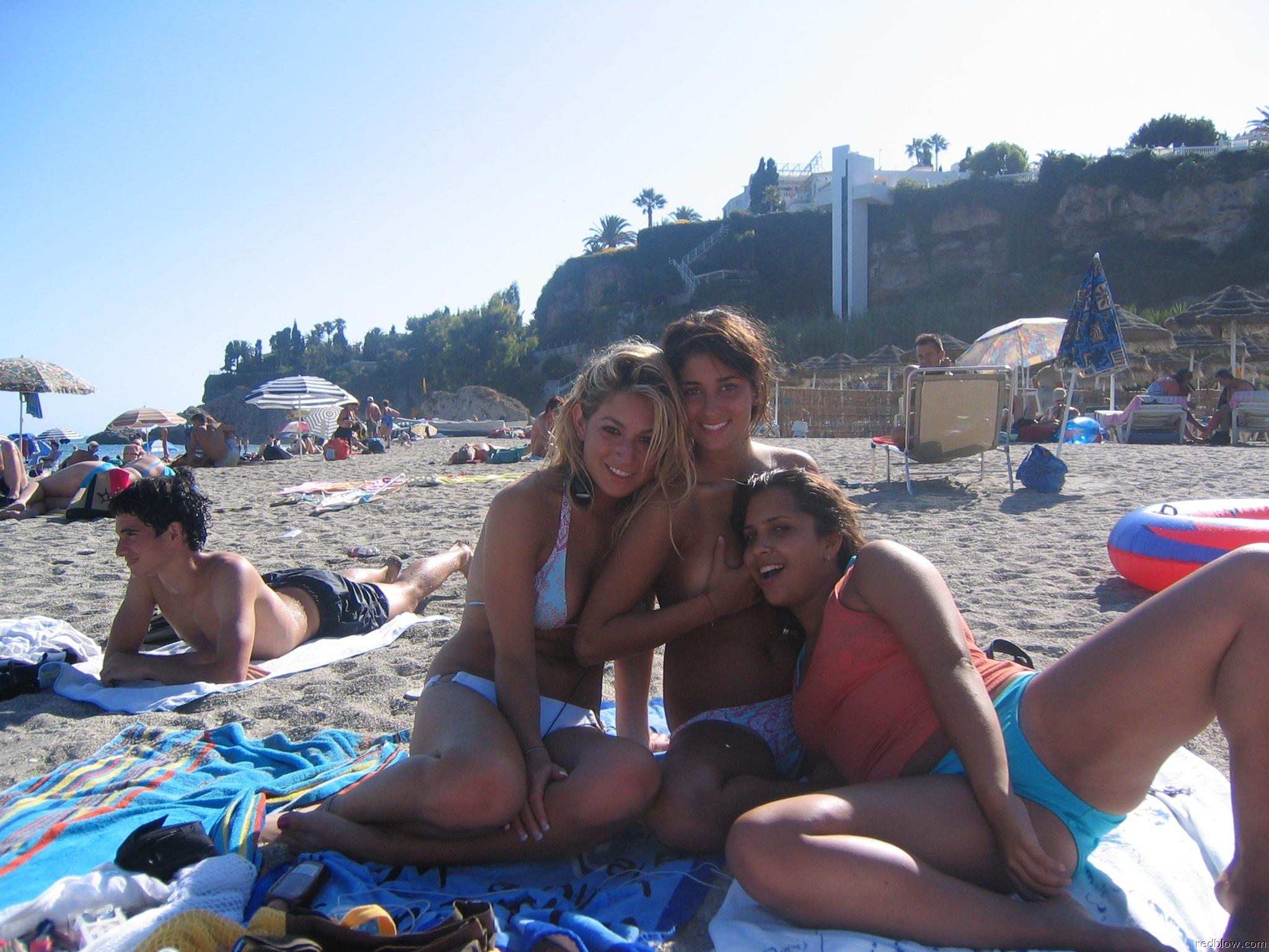 beach-girls-88
