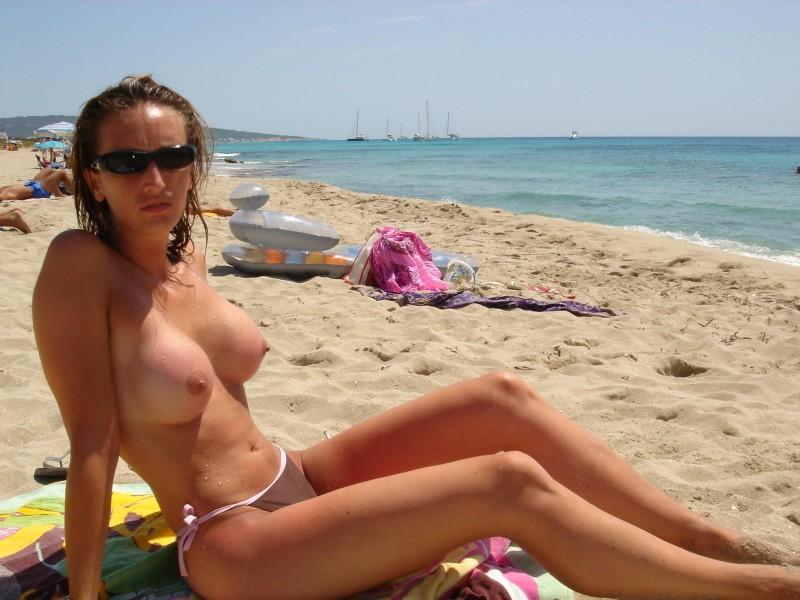 libanese-topless-beach
