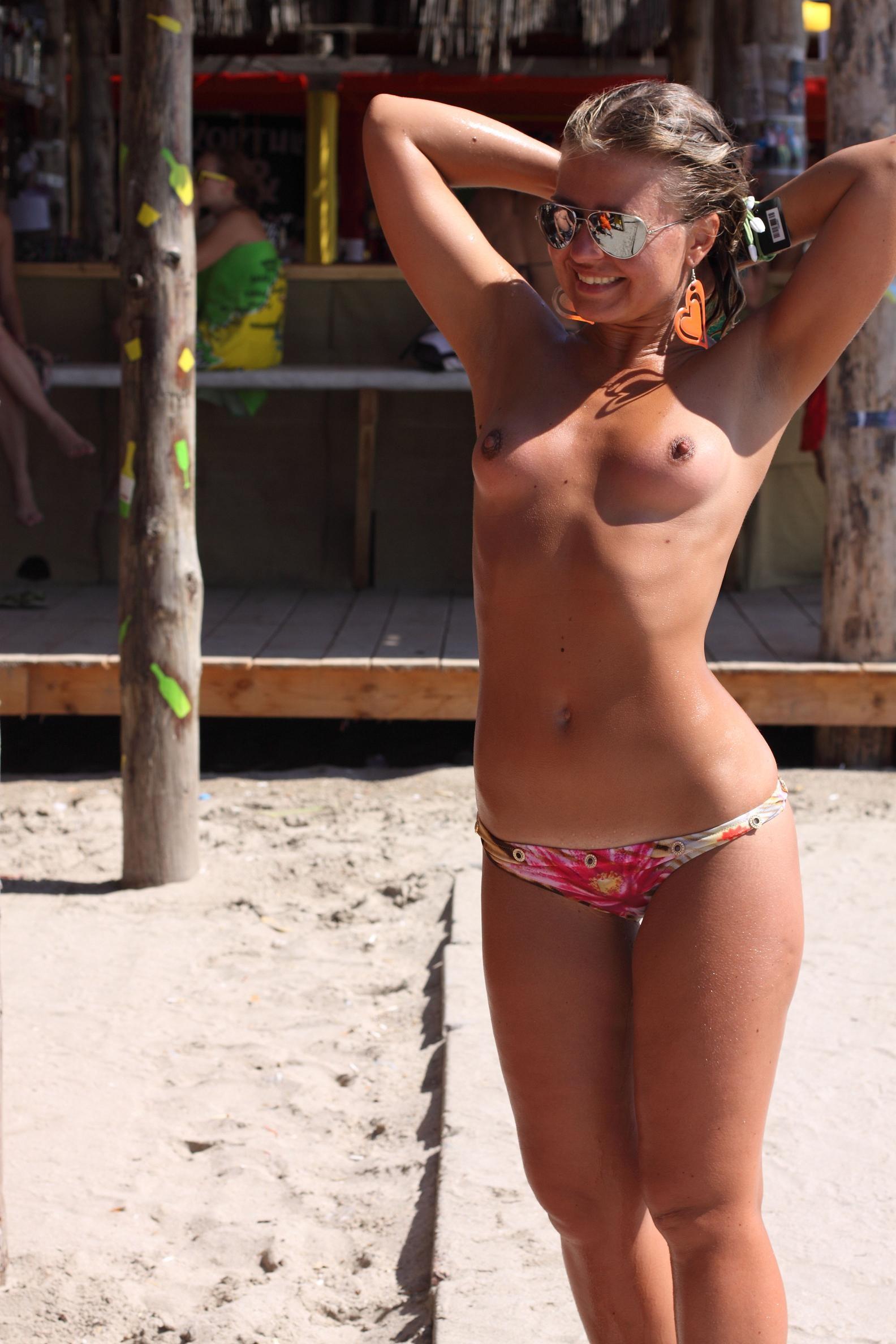 nude-beach-nudists-girls-mix-vol6-05