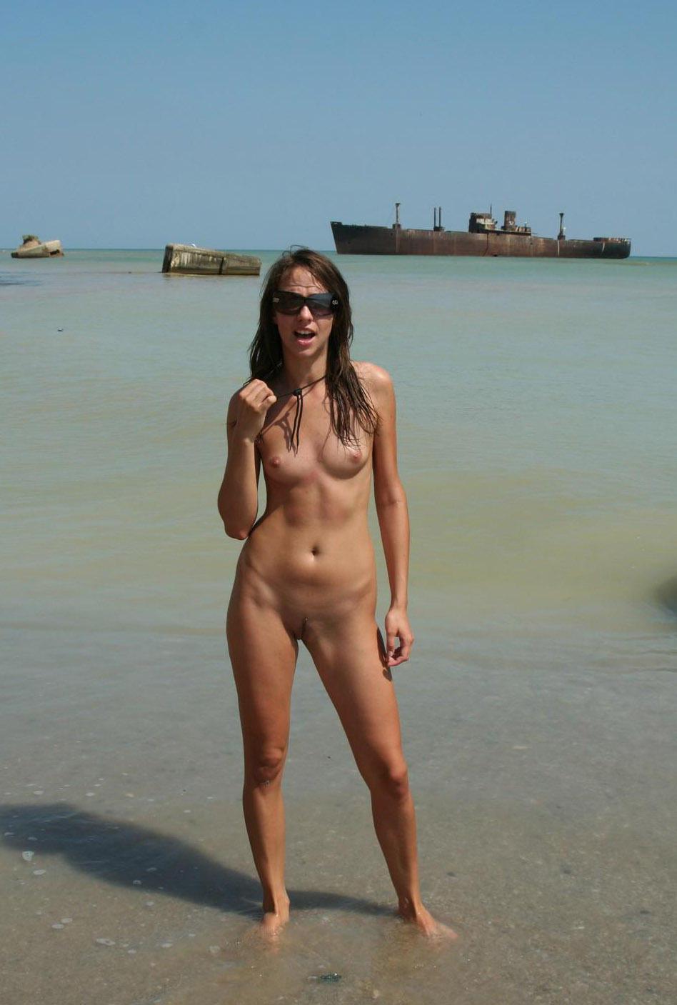 nude-beach-nudists-girls-mix-vol6-25