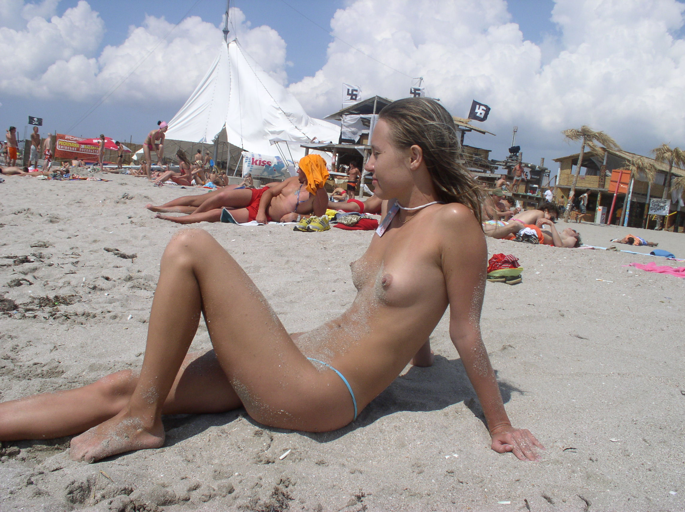 nude-beach-nudists-girls-mix-vol6-40