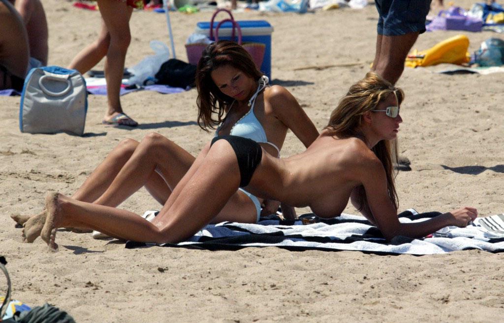 nude-beach-nudists-girls-mix-vol6-50