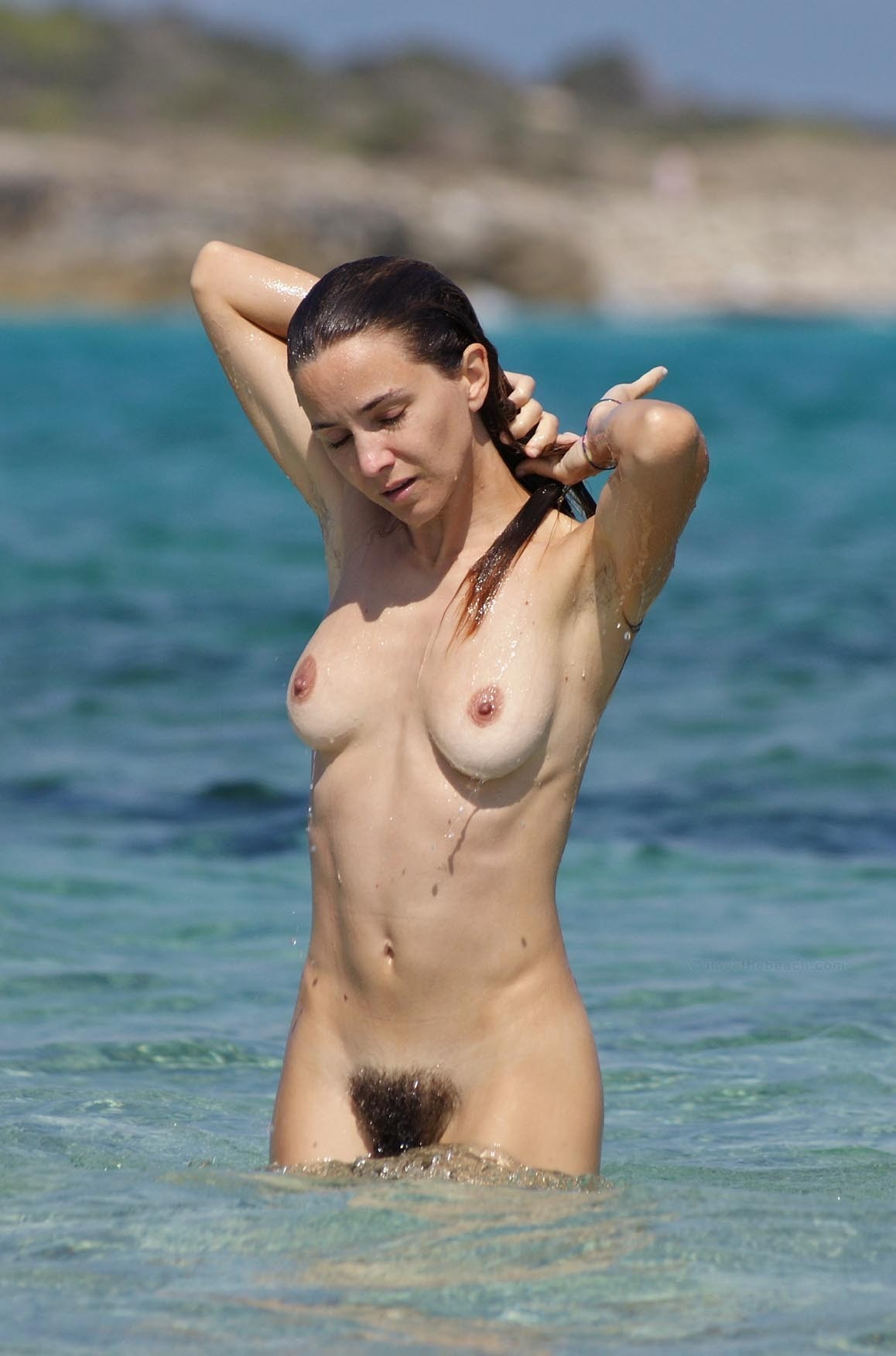 nudists-girls-boobs-beach-topless-mix-vol7-03