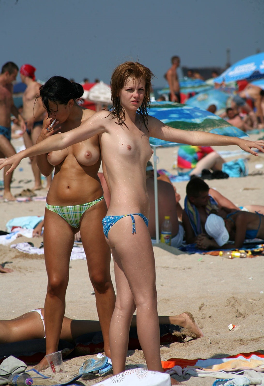 nudists-girls-boobs-beach-topless-mix-vol7-53