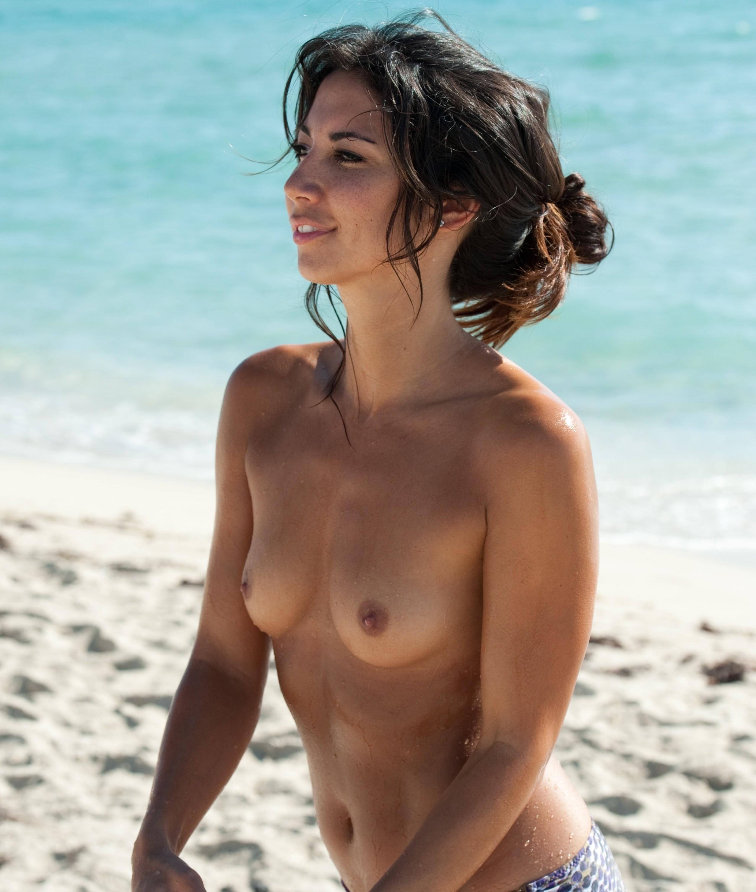 nudists-girls-boobs-beach-topless-mix-vol7-63