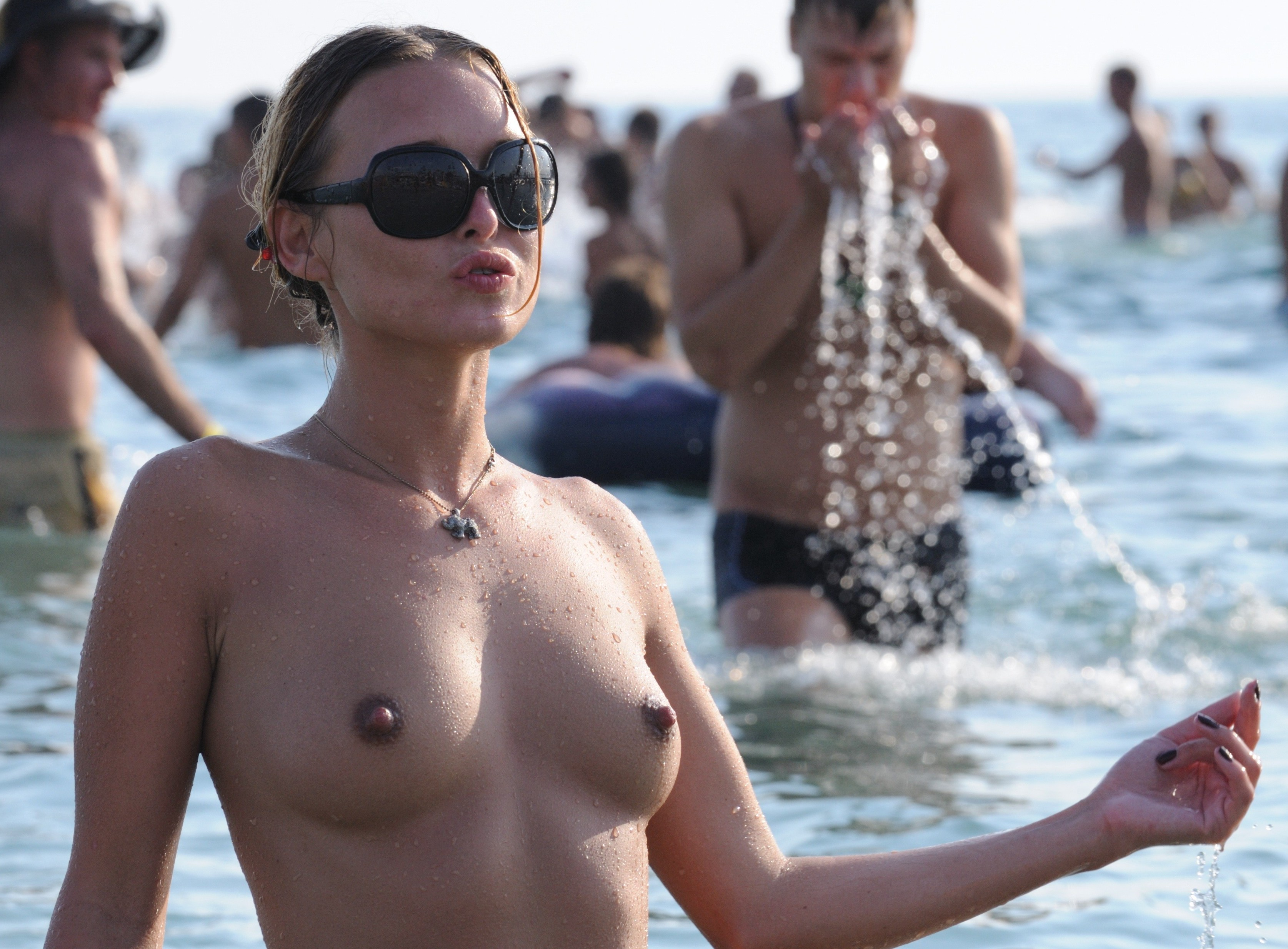nudists-girls-boobs-beach-topless-mix-vol7-72