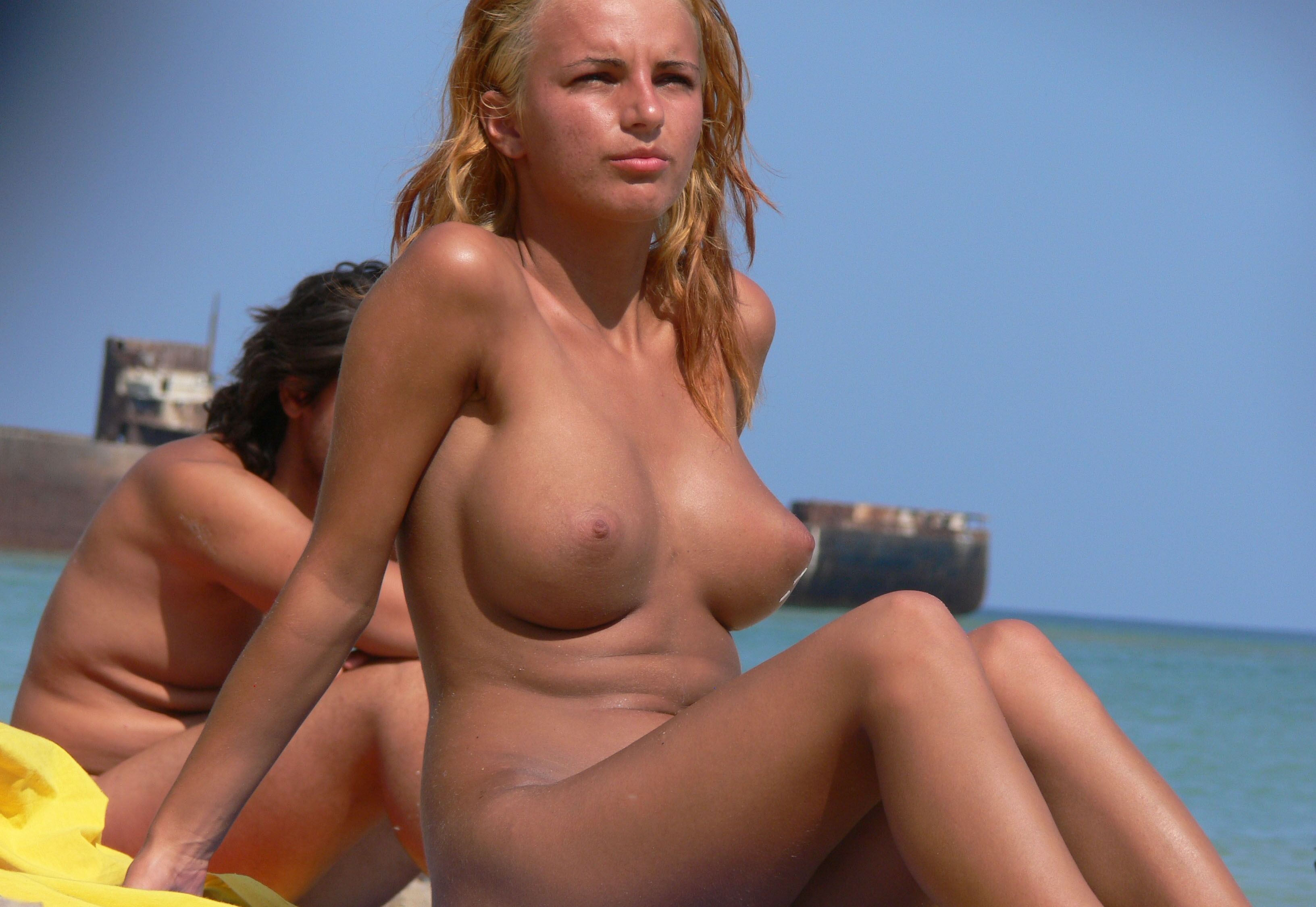 nudists-girls-boobs-beach-topless-mix-vol7-78