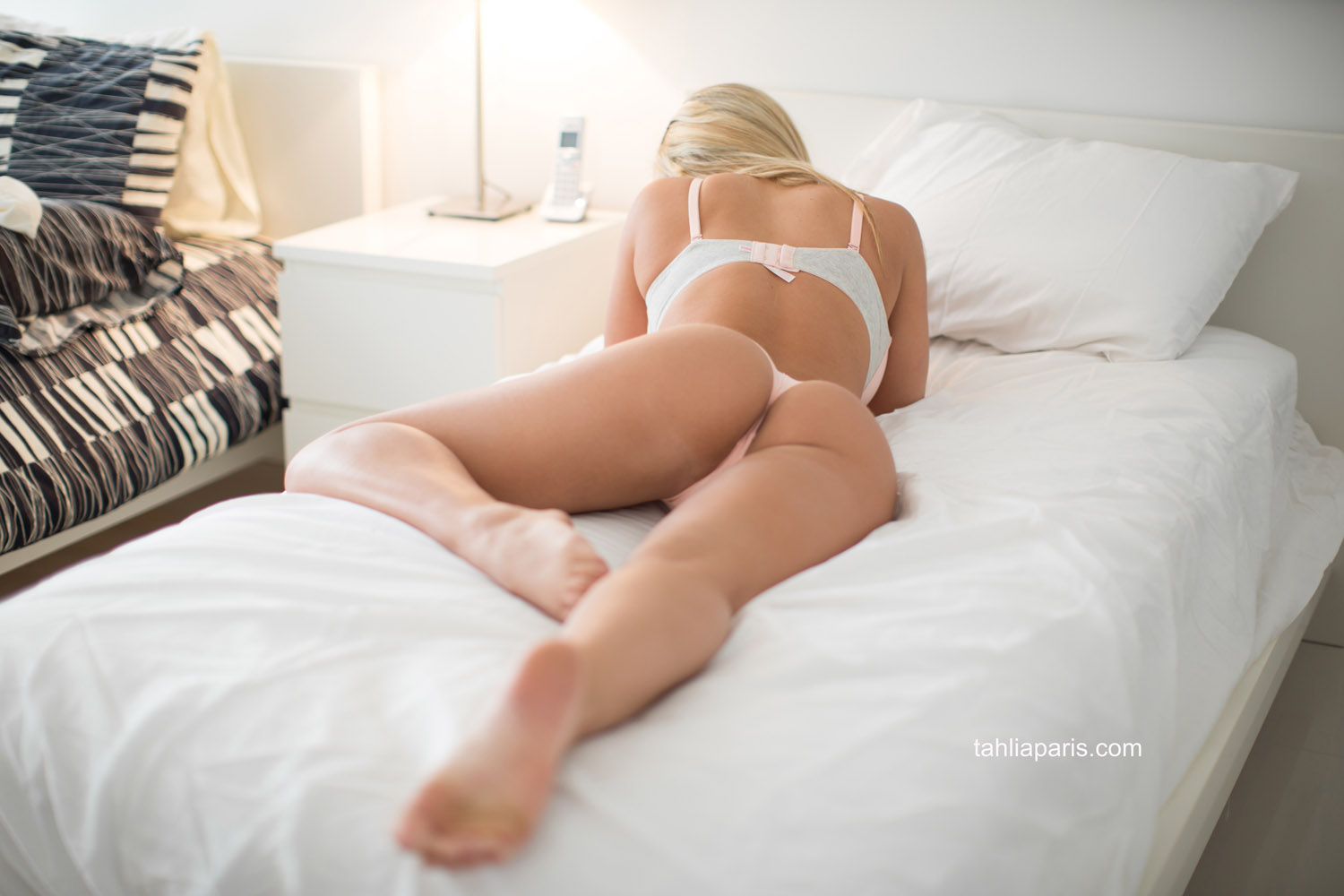 naked-girls-in-bedroom-nude-mix-vol4-46