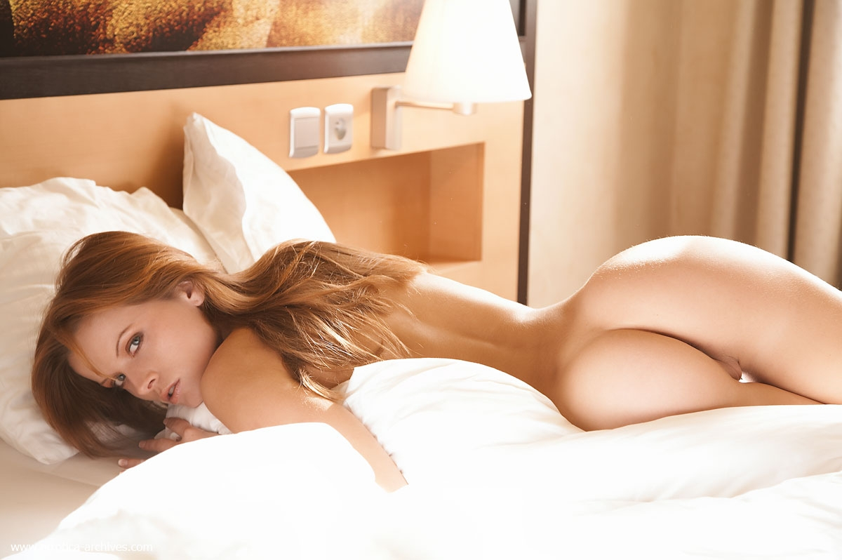 naked-girls-in-bedroom-nude-mix-vol4-53