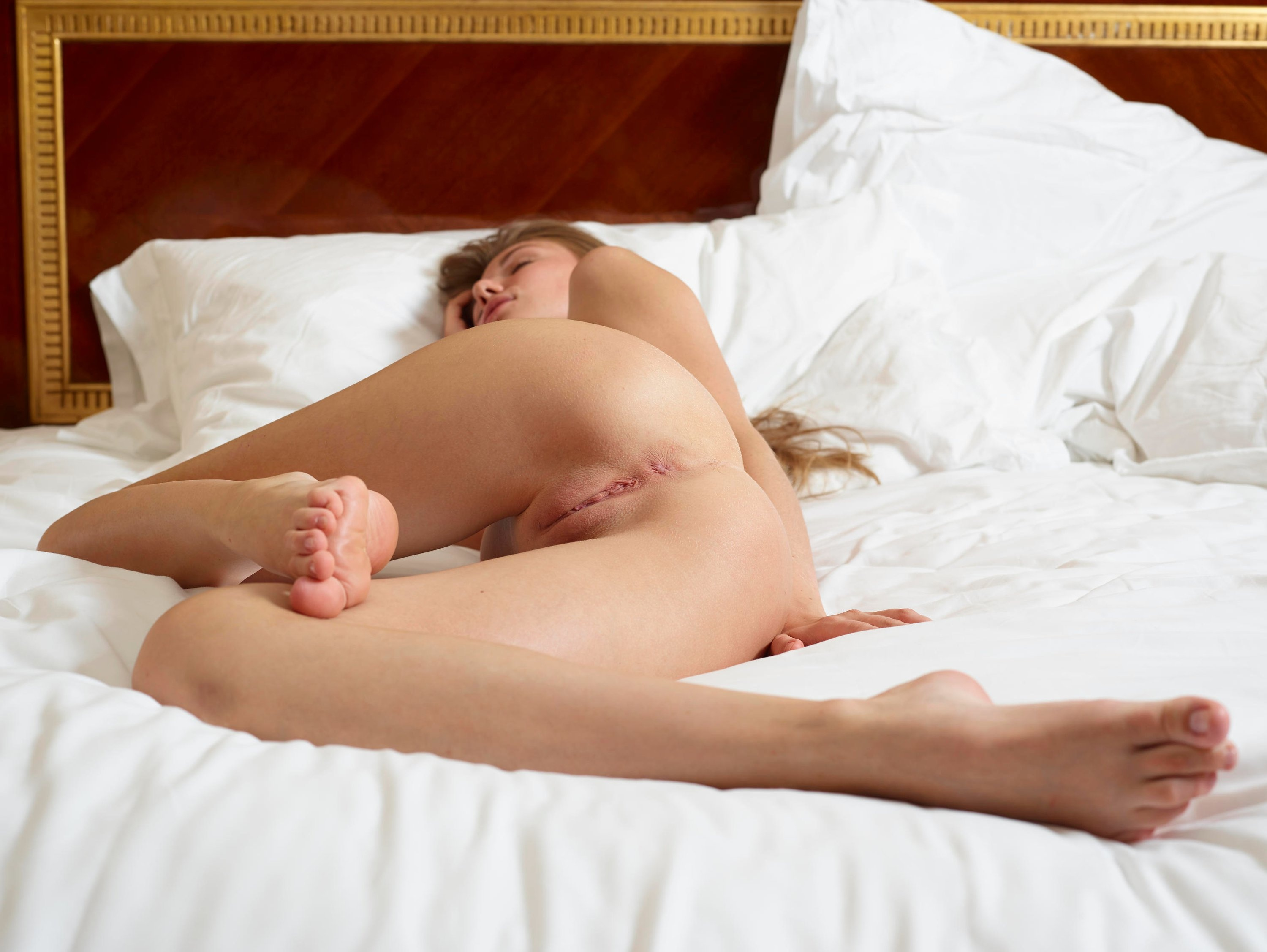 naked-girls-in-bedroom-nude-mix-vol4-60