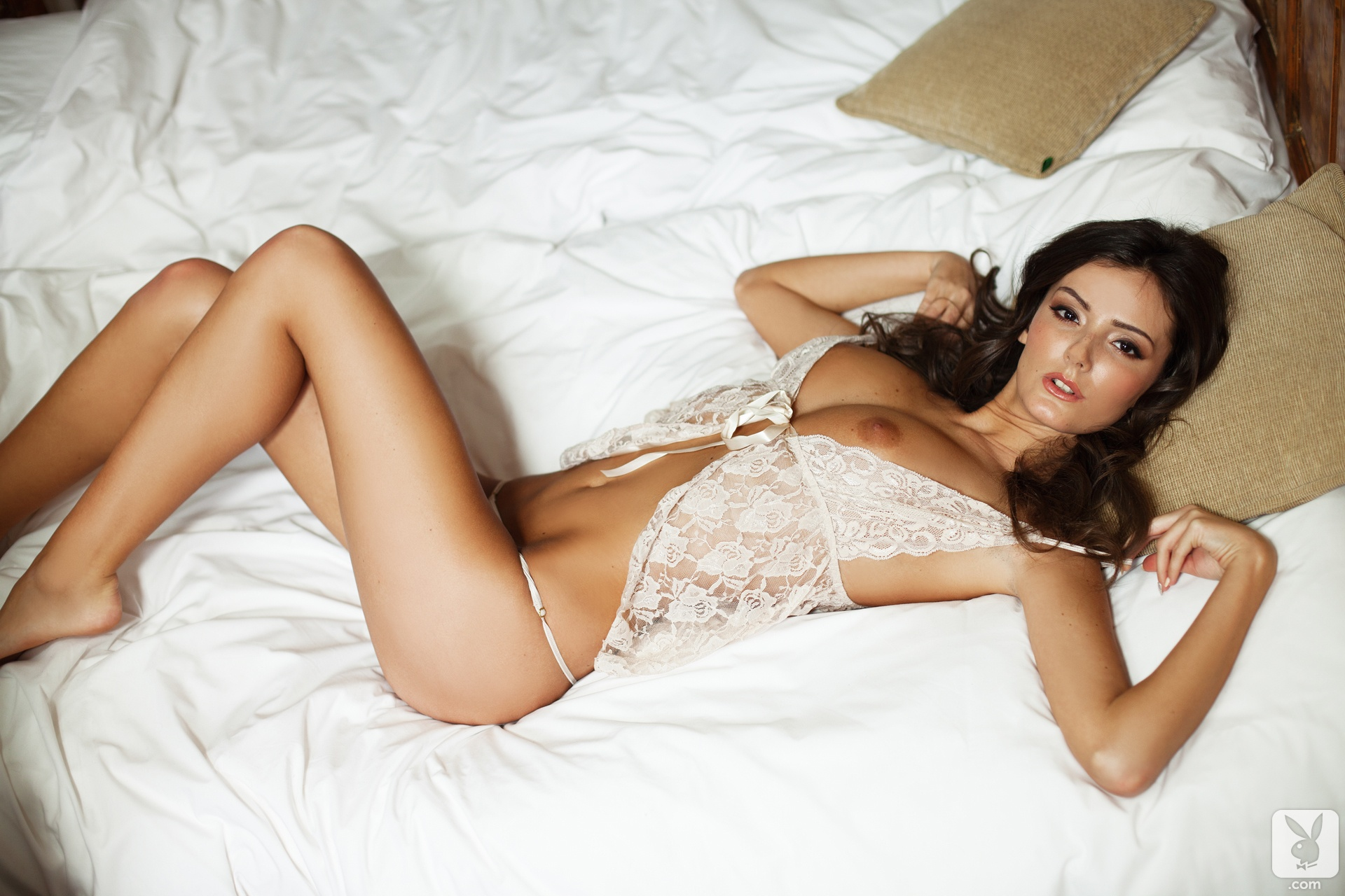 naked-girls-in-bedroom-nude-mix-vol4-87