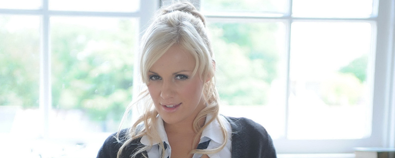 Amy Green – Blond schoolgirl