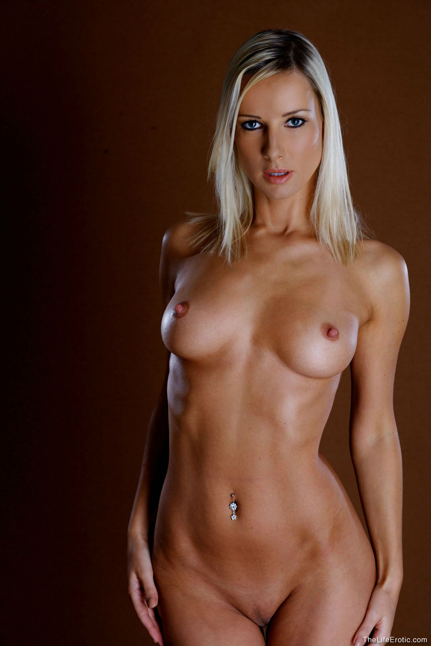 Nude fitness blondes
