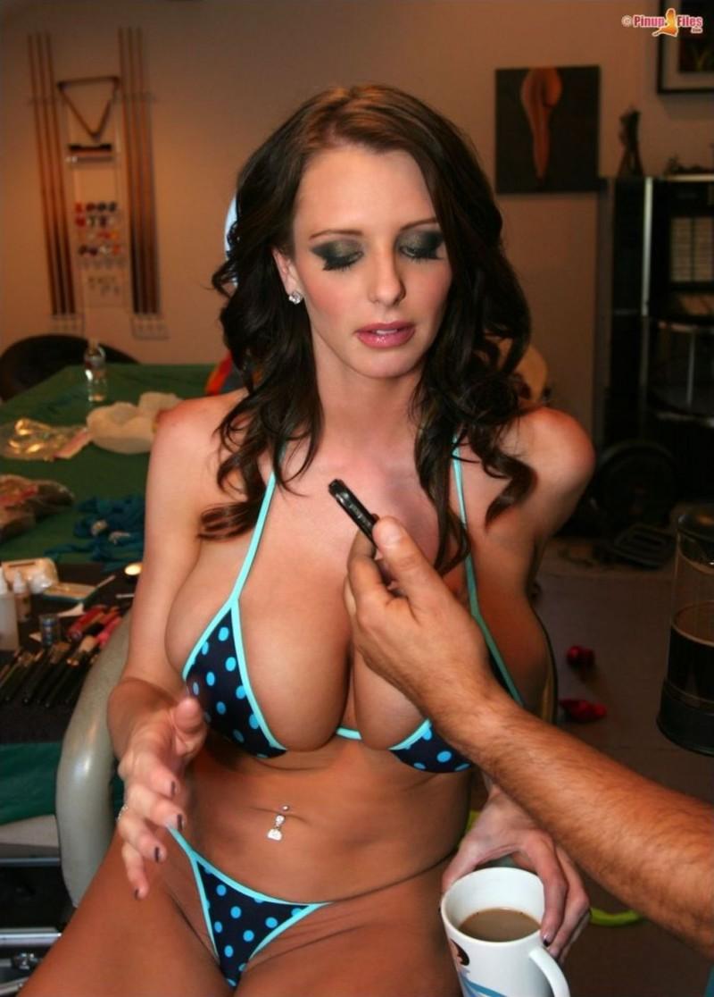 Brandy robbins bikini video, anne hathaway ass nude anal