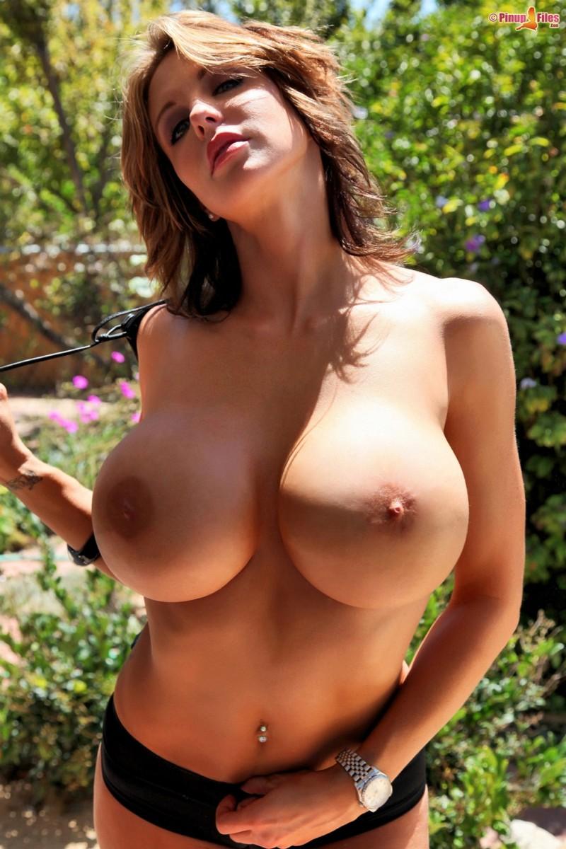 2 hot girls 206 - 3 5