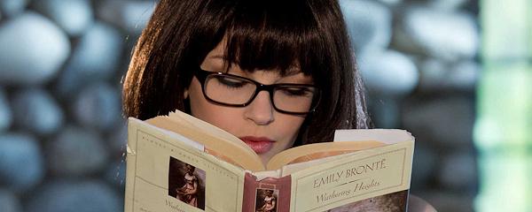 Bree Daniels – Sexy glasses