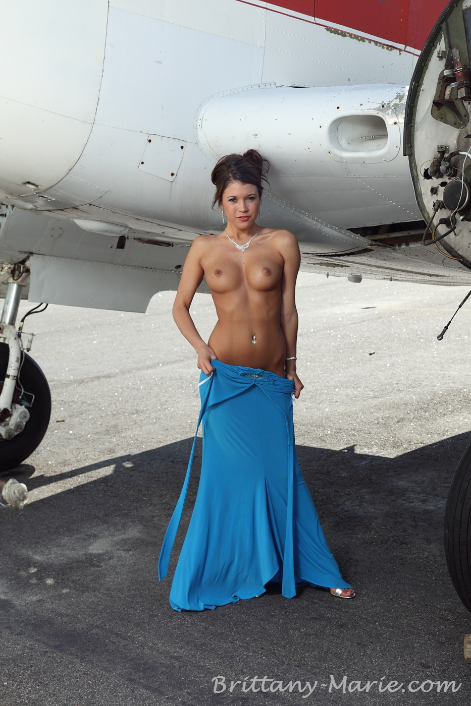 naked-on-airplanes-hot-anorexic-porn