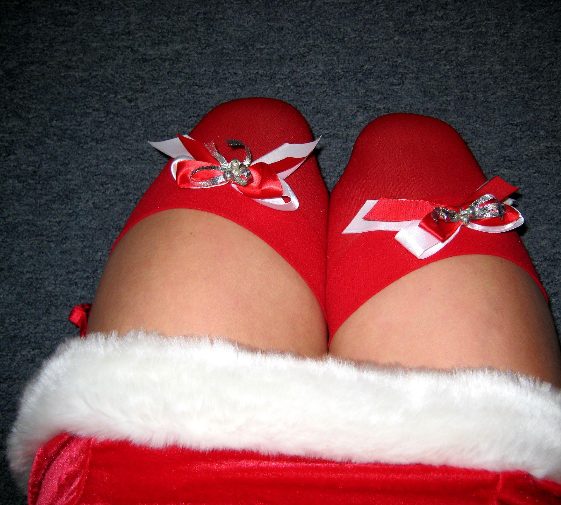 big-boobs-amateur-exgirlfriend-santa-xmas-nude-09