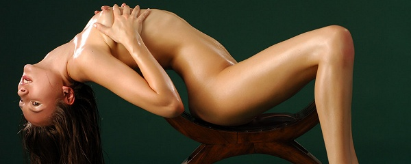 Bysya – Oiled body