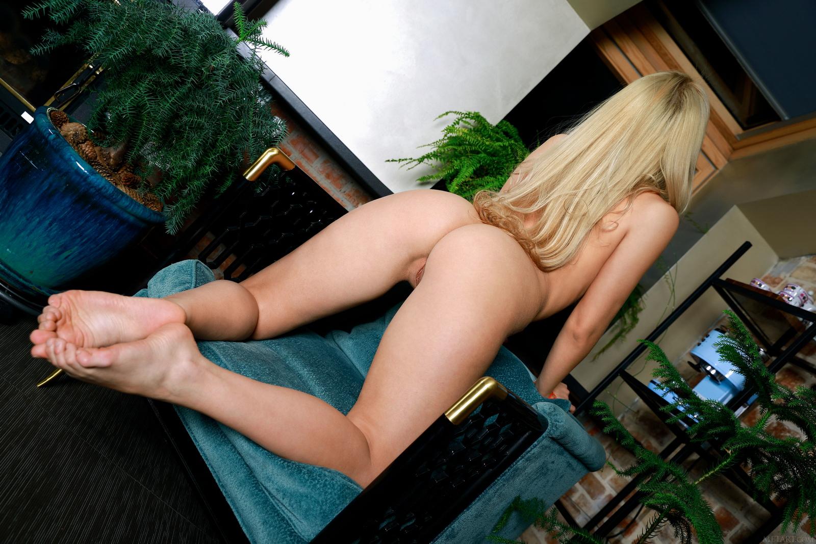 candice-lauren-socks-white-lingerie-boobs-metart-29