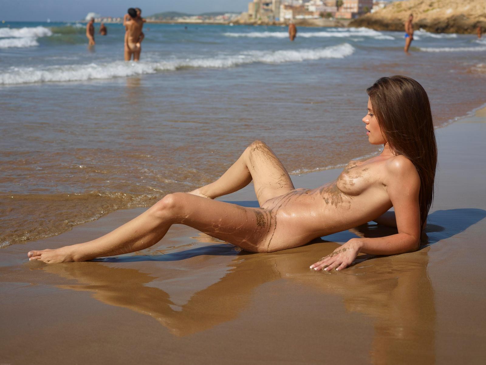 naked-balli-beach-girls