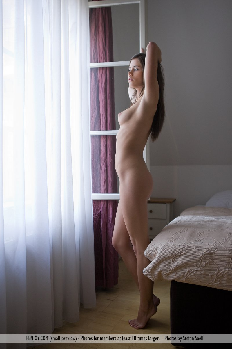 caprice-nude-young-window-femjoy-01