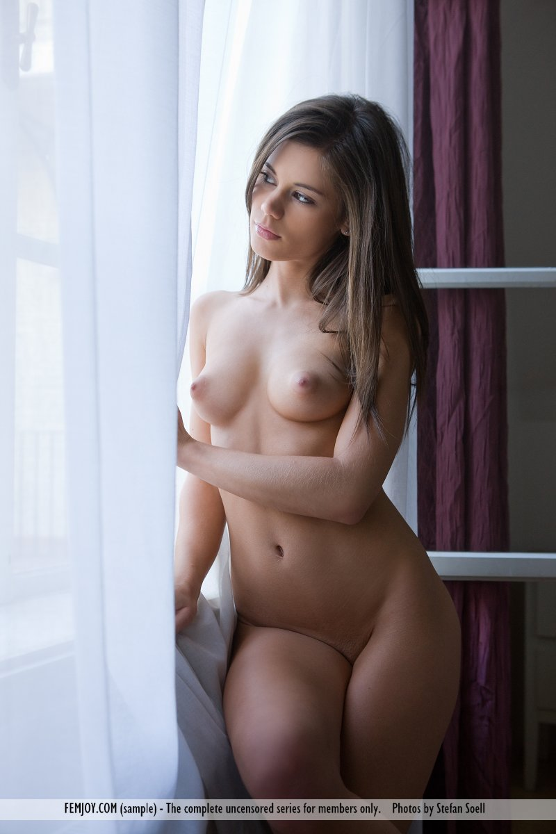 caprice-nude-young-window-femjoy-06