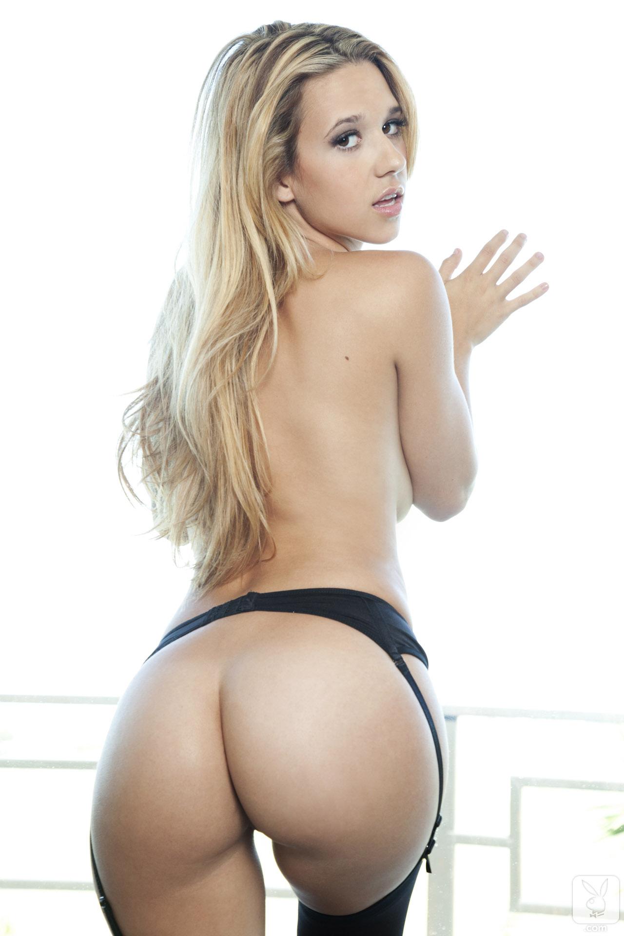 Foxy jacky naked ass pussy fucked