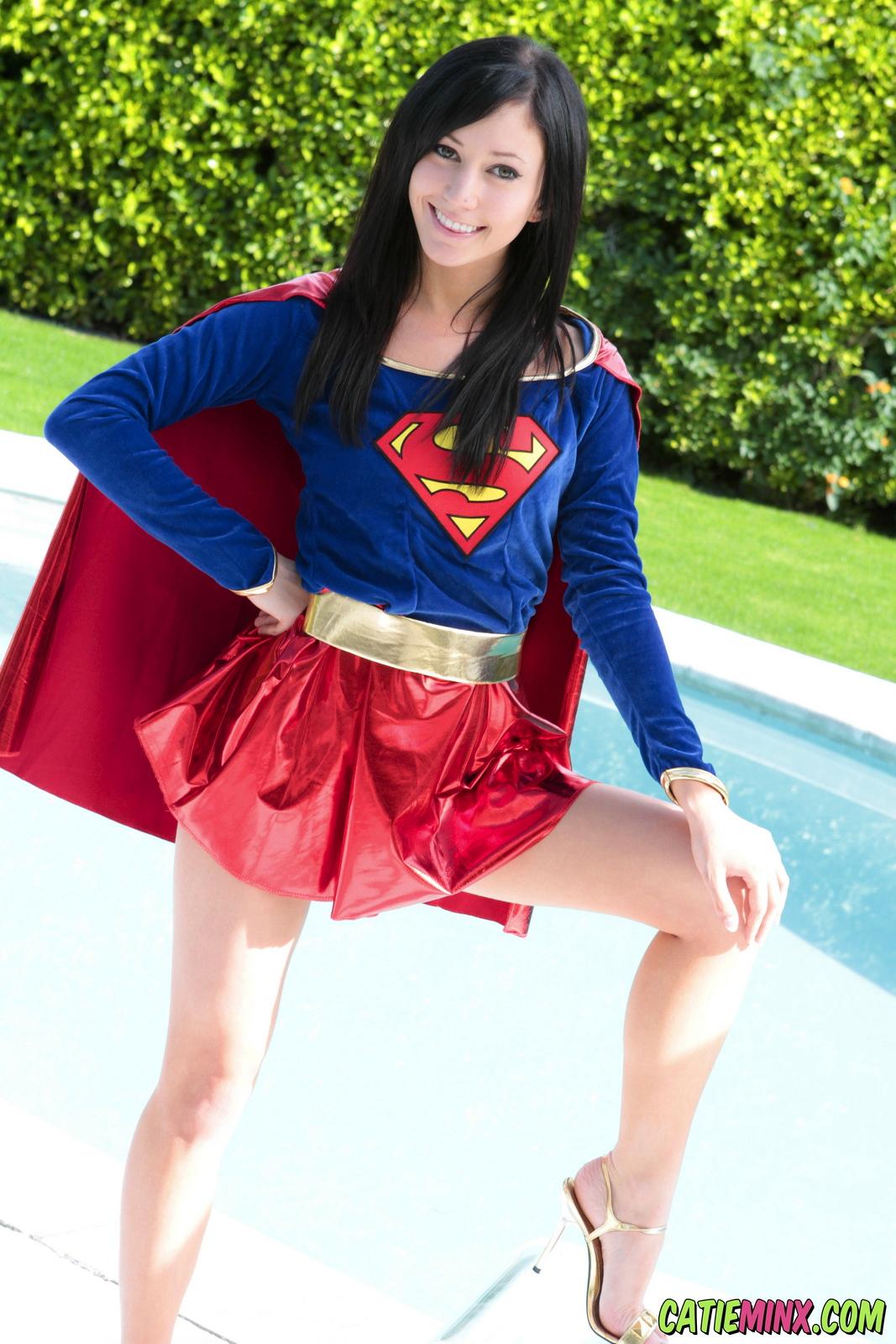 catie-minx-supergirl-costiume-poolside-young-brunette-nude-03