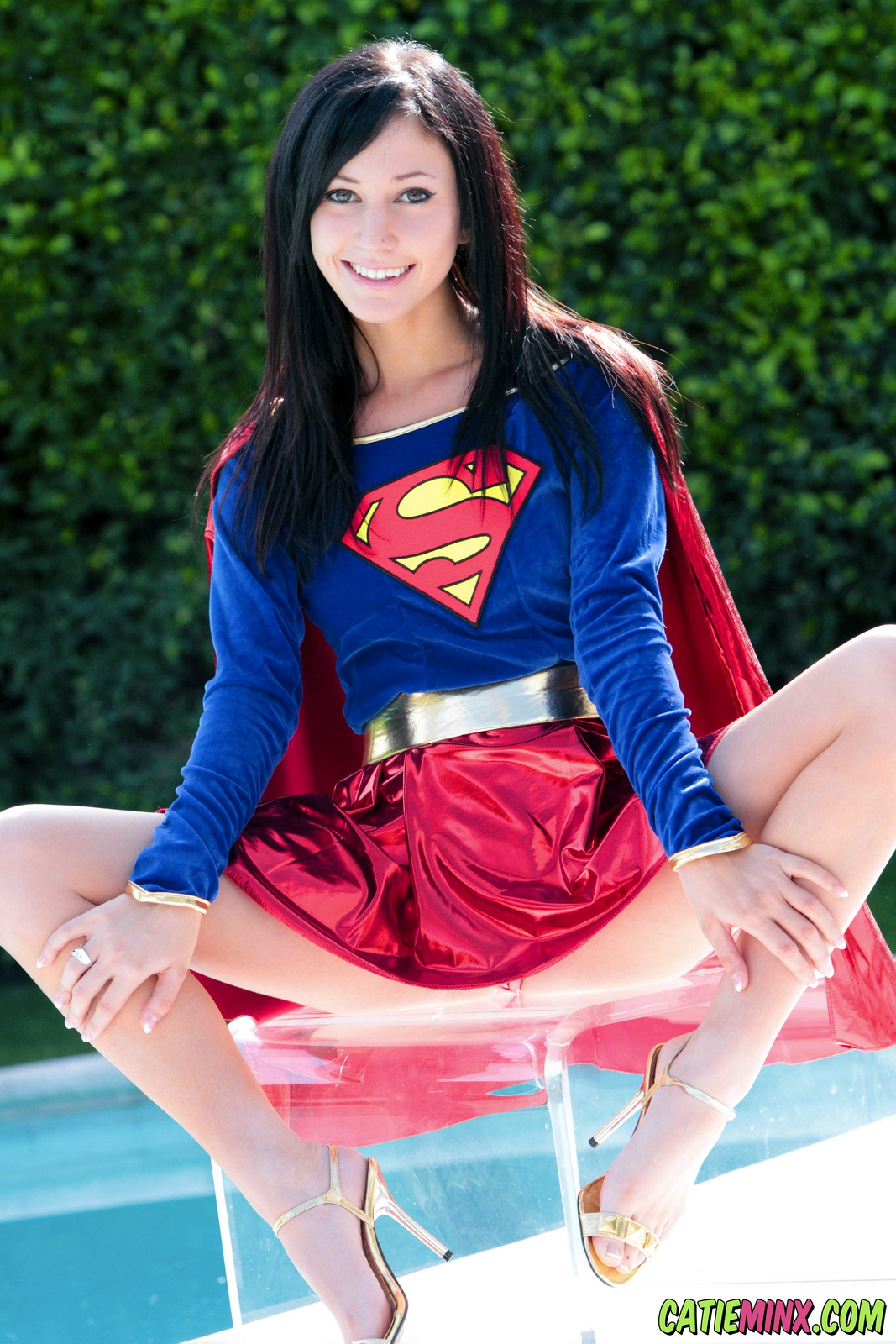 catie-minx-supergirl-costiume-poolside-young-brunette-nude-07
