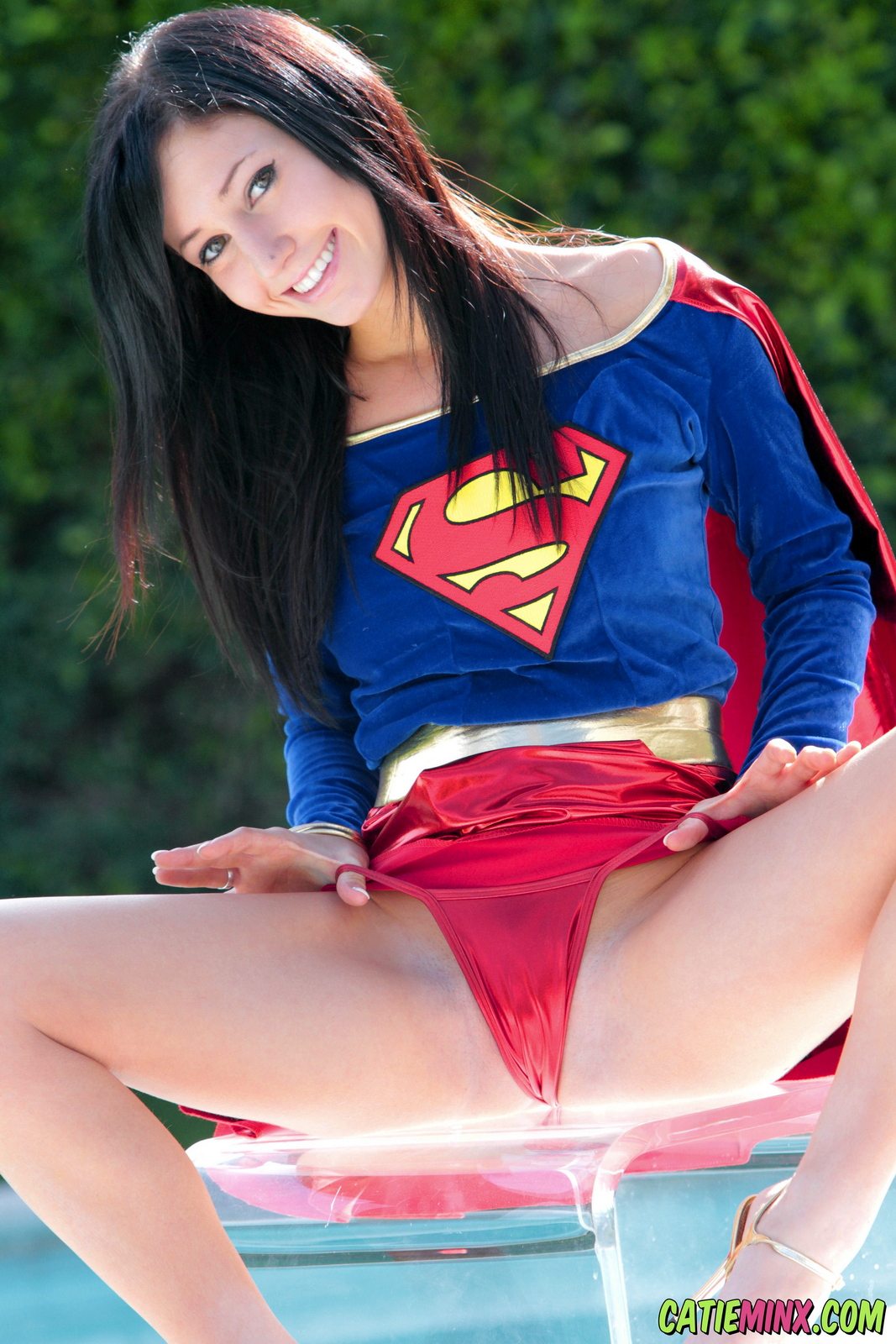 catie-minx-supergirl-costiume-poolside-young-brunette-nude-08