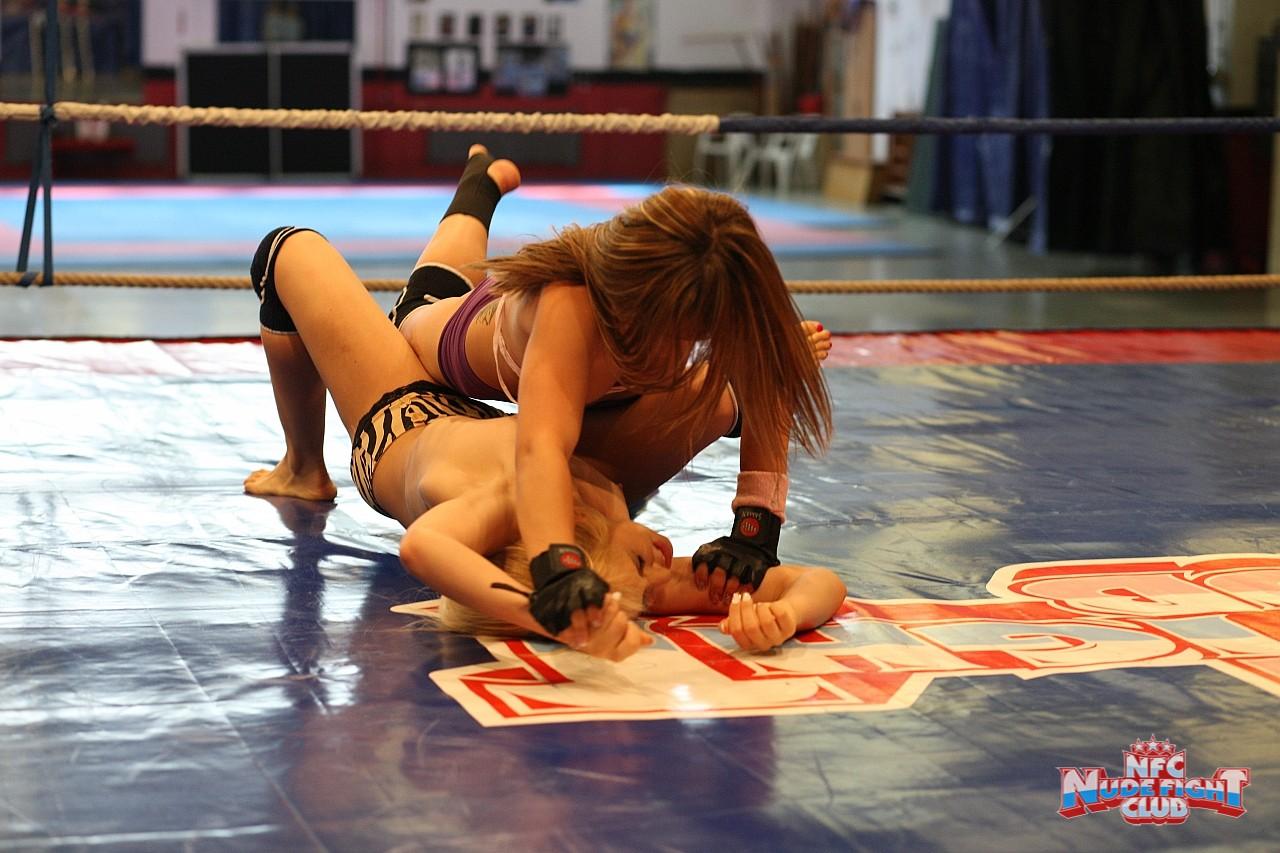 celine-doll-&-aleska-diamond-nude-fight-club-ring-18