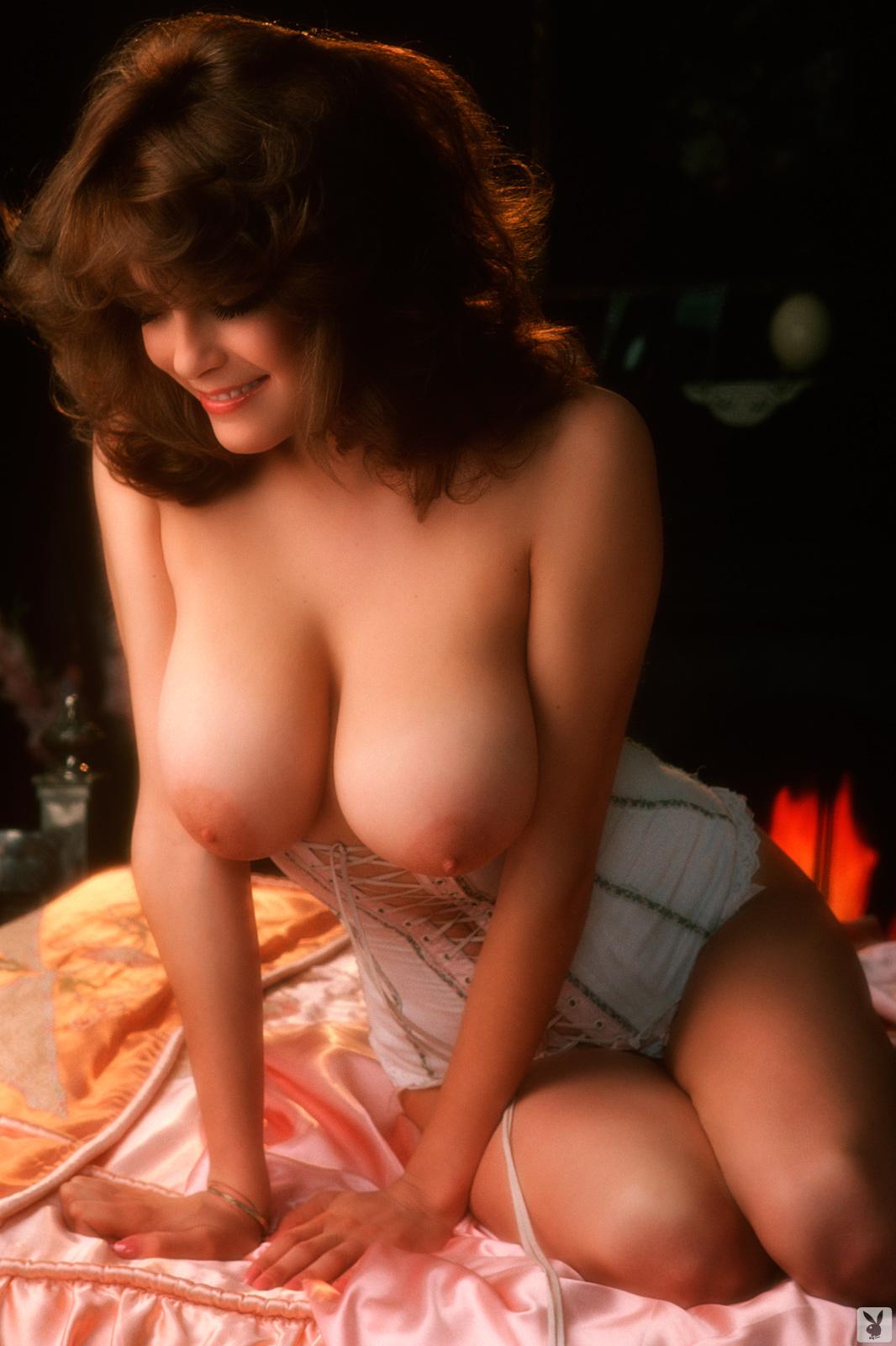 фото моделей плейбой с большой натуральной грудью этот