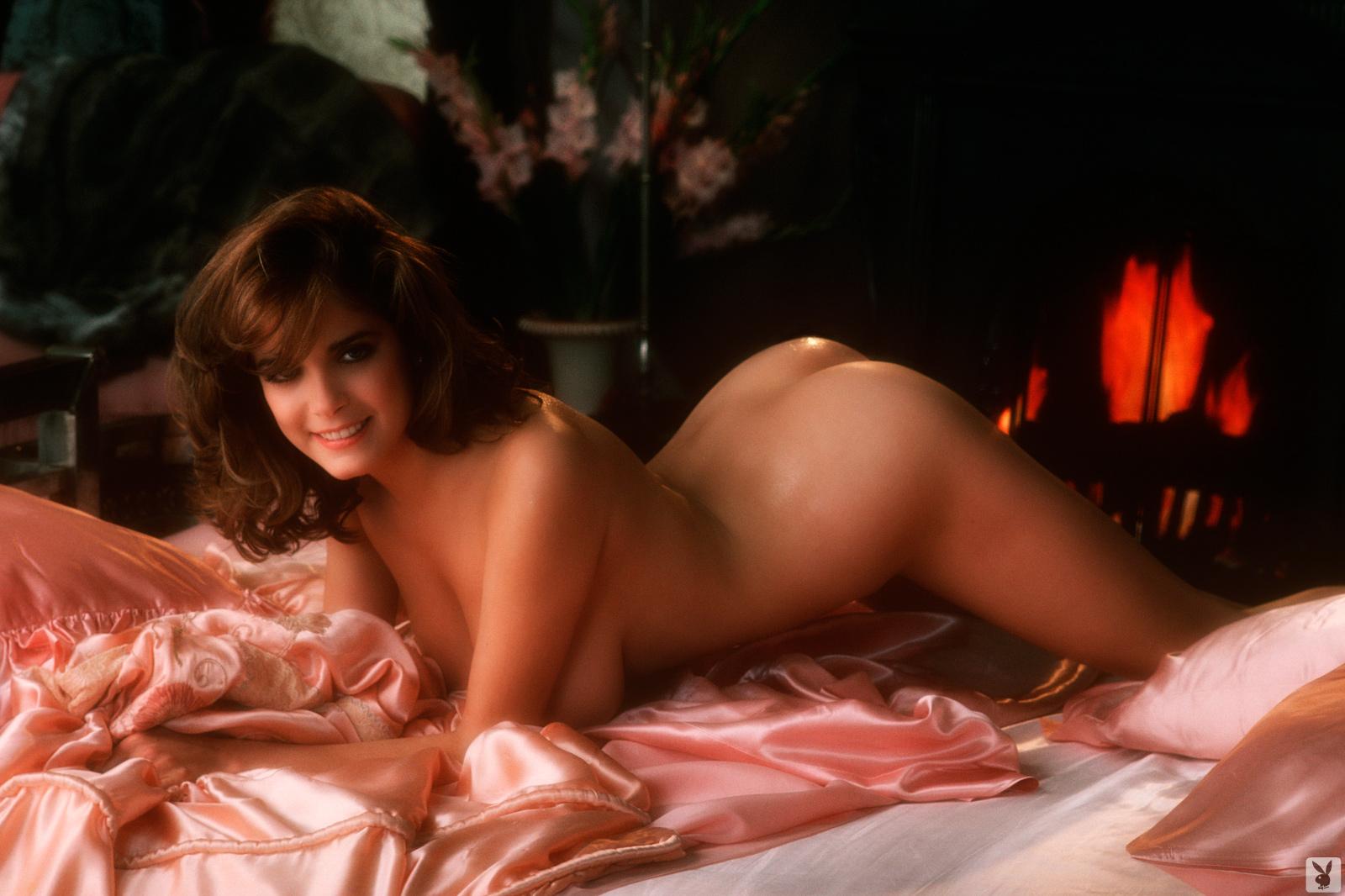 lynda-robertson-nude