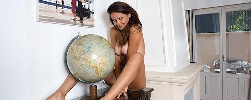 Chiara naked at home