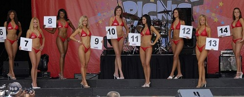 Chin Picnic Bikini Contest 2006