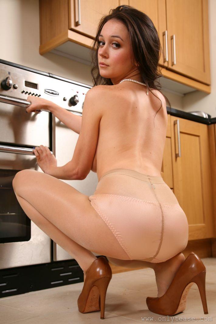 clair-meek-kitchen-pantyhose-onlytease-15